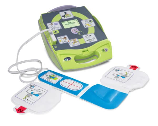 ZOLL-AED-Plus-8000-004000-01-with-pads